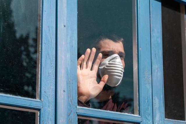 Cần làm gì nếu trong nhà có người nhiễm virus corona? - 1