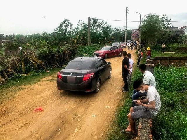Sốt đất ở Hòa Lạc: Vẫn ùn ùn bất chấp cảnh báo, chính quyền vào cuộc - 2