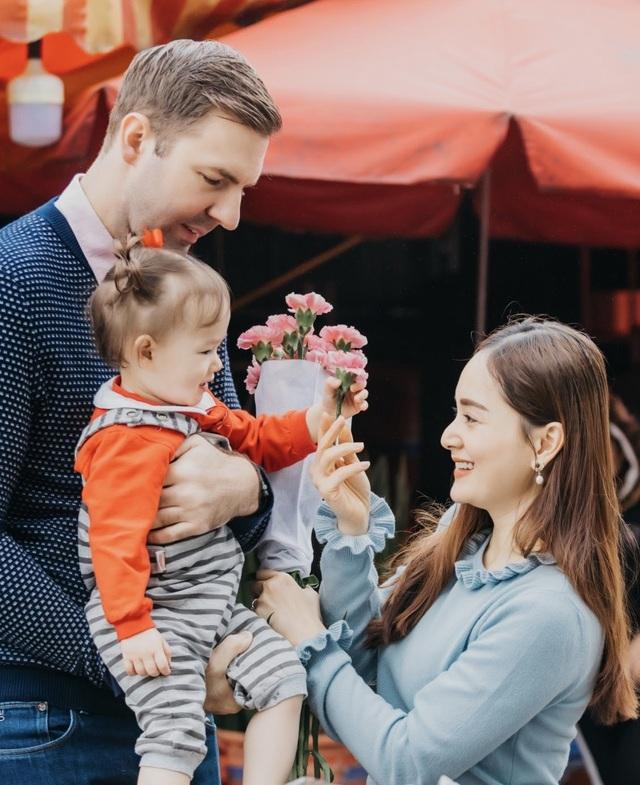 Lan Phương đưa con gái ra Hà Nội giữa dịch bệnh khiến Minh Vượng hốt hoảng - 5
