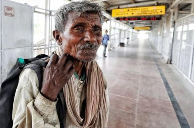 Người lao động nghèo Ấn Độ long đong vì lệnh phong tỏa chống Covid-19 - 1