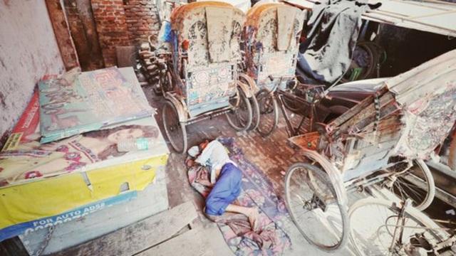 Người lao động nghèo Ấn Độ long đong vì lệnh phong tỏa chống Covid-19 - 2