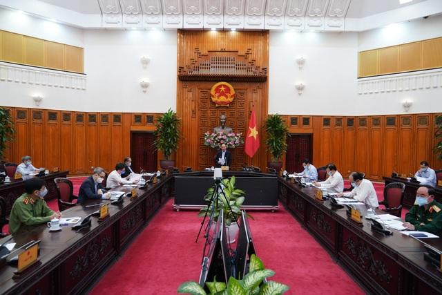 Thủ tướng chỉ đạo nên dừng việc đi lại, không tập trung quá 20 người - 1