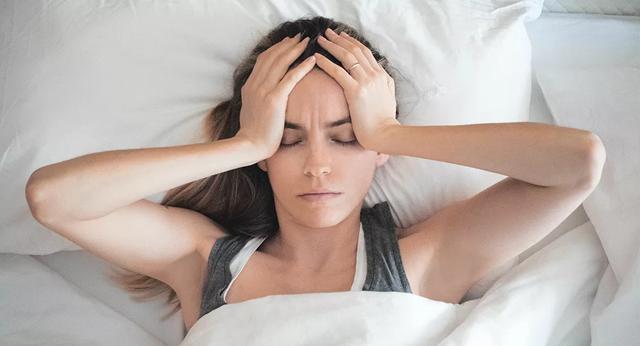 Nữ sinh viên bị nhiễm coronavirus cho biết về những triệu chứng bất ngờ - 1