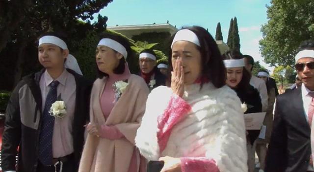 Vì sao danh ca Ý Lan mặc trang phục màu hồng trong đám tang mẹ Thái Thanh? - 3