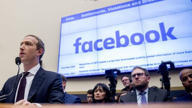 """Lượng truy cập tăng kỷ lục nhưng Facebook lại """"mất giá"""" vì dịch Covid-19 - 1"""