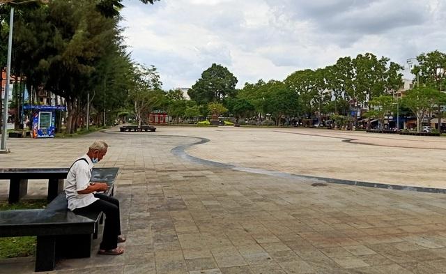 Thủ phủ miền Tây vắng như chùa Bà Đanh - 2