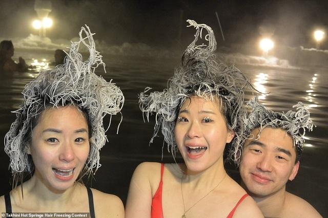 """Lạ lùng cuộc thi """"dựng tóc gáy"""" - 7"""