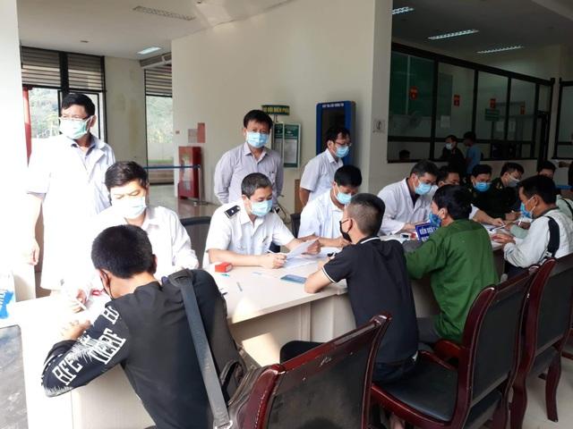 Quảng Bình tạm hoãn Đại hội Đảng cấp cơ sở để tập trung chống dịch Covid-19 - 1