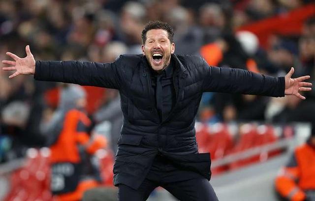 Simeone bỏ xa Guardiola, Mourinho về lương bổng - 1