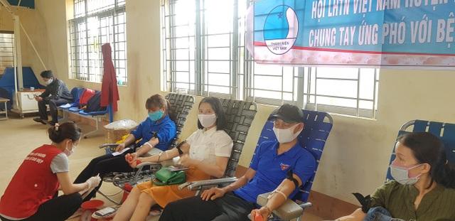 Hơn 3.200 đoàn viên tình nguyện tham gia ứng phó với dịch Covid-19 - 3