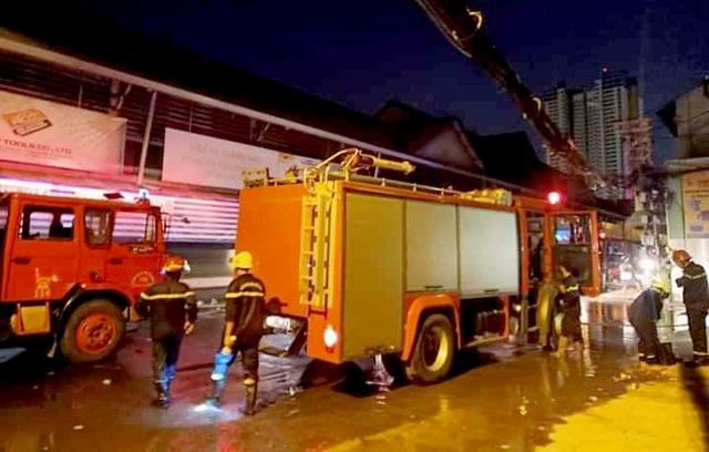 Cháy nhà gần chợ hóa chất Kim Biên, một phụ nữ tử vong - 1