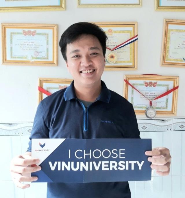 Cậu học trò Đồng Tháp giành học bổng toàn phần của VinUni từ câu trả lời không giống ai - 1