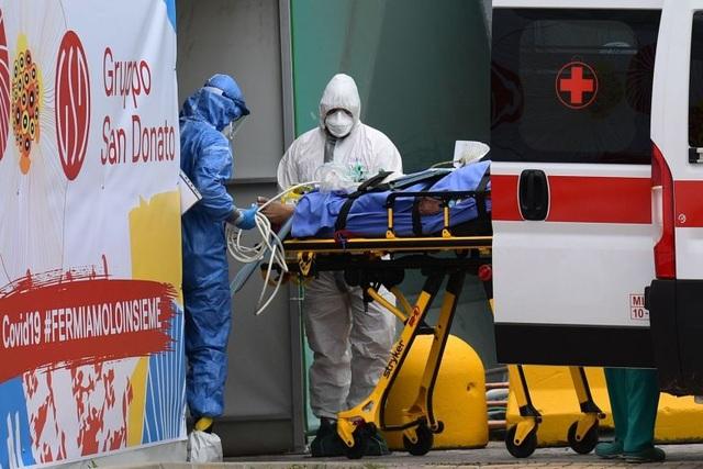 712 người chết vì Covid-19 trong ngày, số ca tử vong ở Italia vượt 8.000 - 1