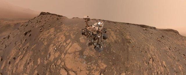 """Những hình ảnh """"tự sướng"""" mới của Rover Curiosity trên sao Hỏa - 1"""