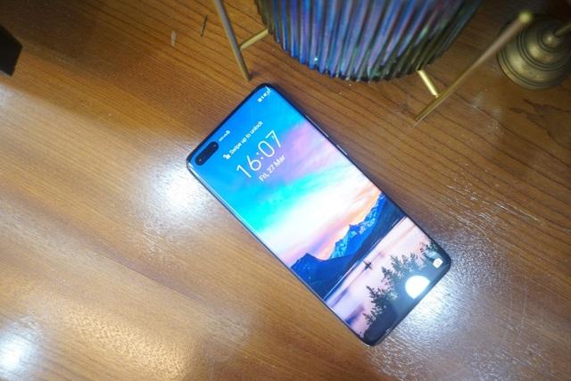 Cận cảnh Huawei P40 Pro tại Việt Nam - 1