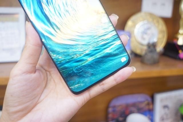 Cận cảnh Huawei P40 Pro tại Việt Nam - 6