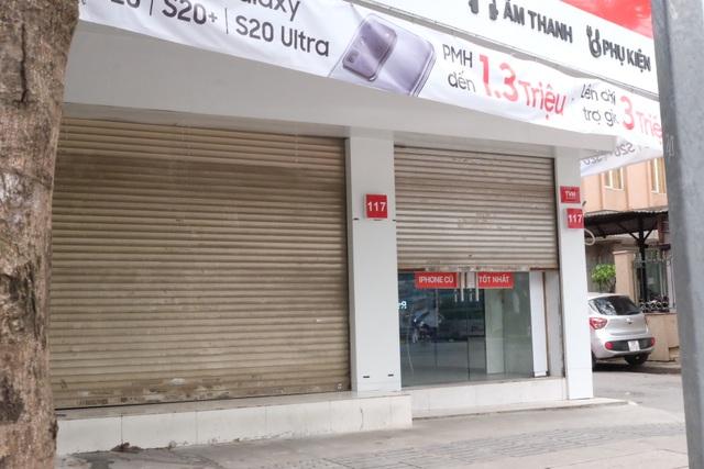 Hà Nội: Cửa hàng điện thoại ngừng kinh doanh, khó khăn nối tiếp khó khăn - 15