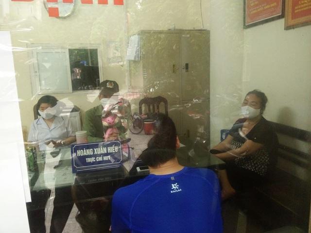 Hà Nội: Đi tập thể dục không đeo khẩu trang, 4 người bị mời lên phường - 1