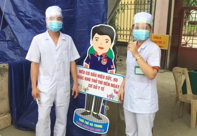Thanh niên ngành y tế tự chế mặt nạ ngăn giọt bắn phòng, chống Covid-19 - 6