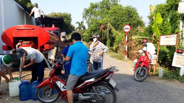 Vĩnh Long: Điều xe chữa cháy cấp nước sạch cho người dân vùng mặn - 2