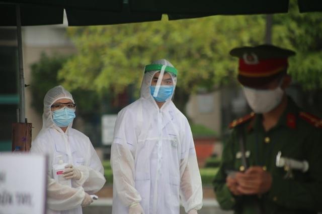 Phó Giám đốc Bệnh viện Bạch Mai xin lỗi Hà Nội vì dịch Covid-19 - 1