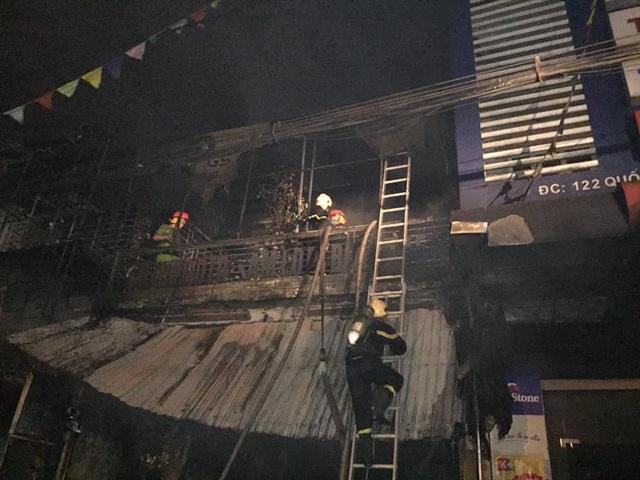Hiện trường vụ cháy khiến 2 ông cháu tử vong - 11