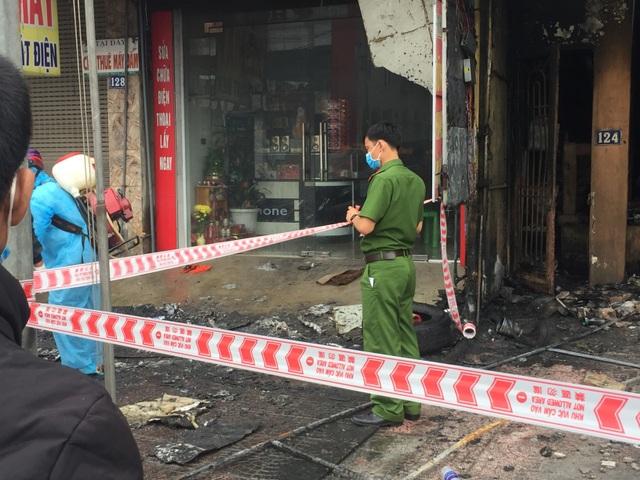 Hiện trường vụ cháy khiến 2 ông cháu tử vong - 6