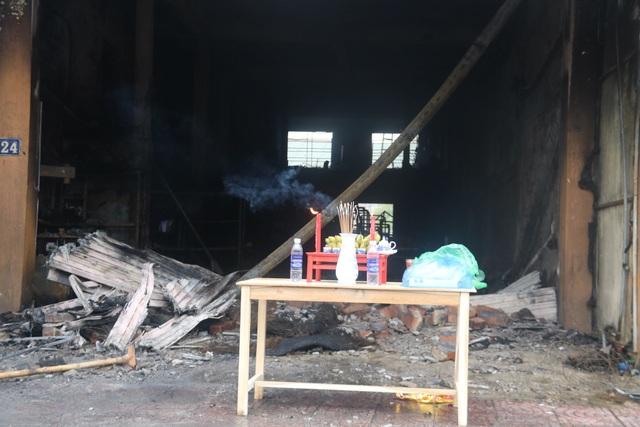 Hiện trường vụ cháy khiến 2 ông cháu tử vong - 10