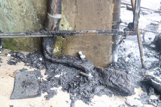 Hiện trường vụ cháy khiến 2 ông cháu tử vong - 2