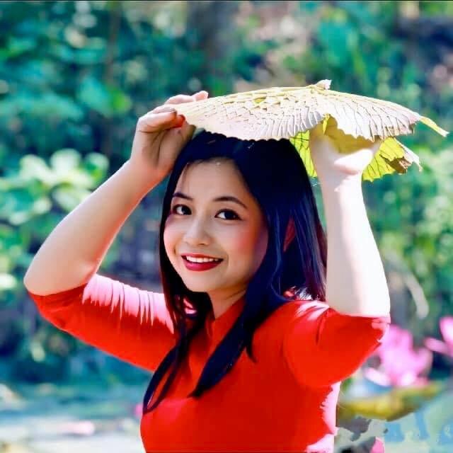 Cô giáo vẽ phượng hoàng, công chúa bằng thịt cá, hoa quả - 13
