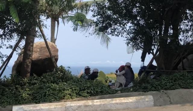 Đà Nẵng lập chốt ngăn du khách tụ tập ở bán đảo Sơn Trà - 2