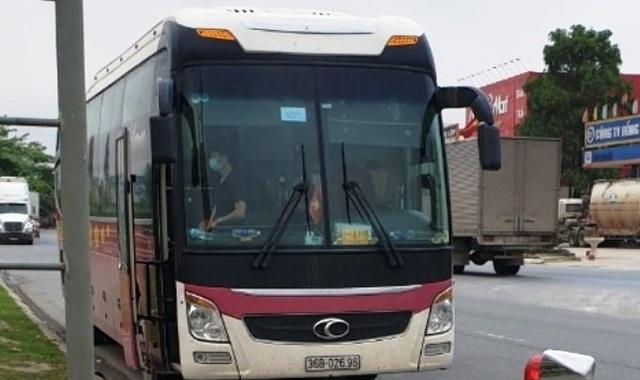 1 hành khách thuộc diện F2, cả chiếc xe phải cách ly - 1