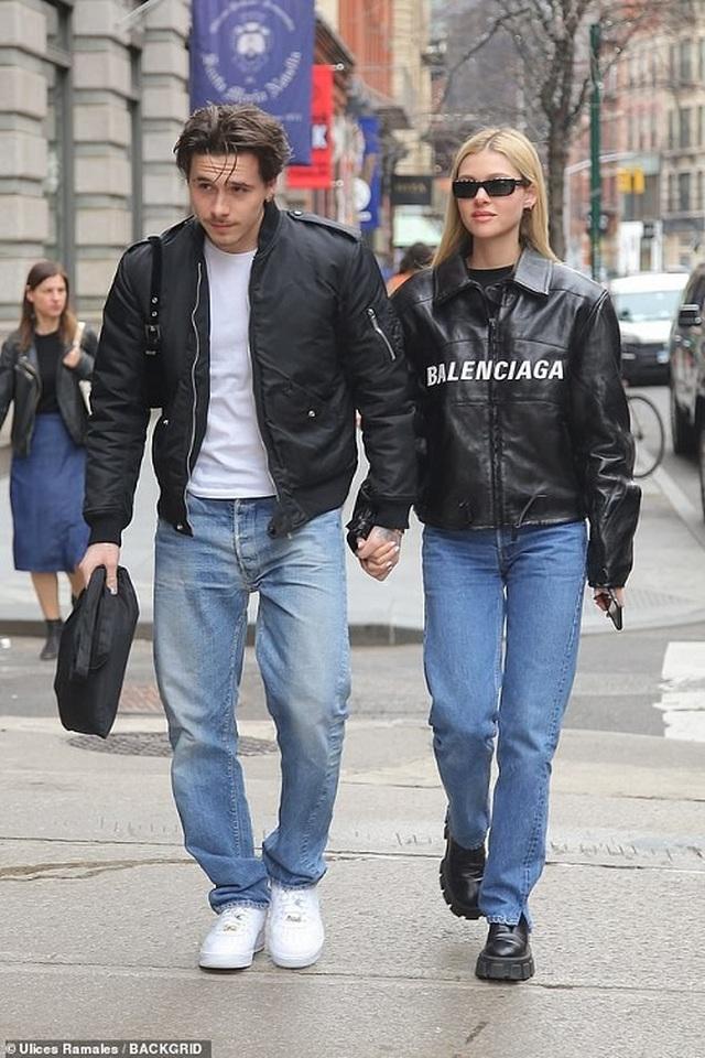 Brooklyn Beckham chuyển tới sống cùng bạn gái hơn tuổi - 5