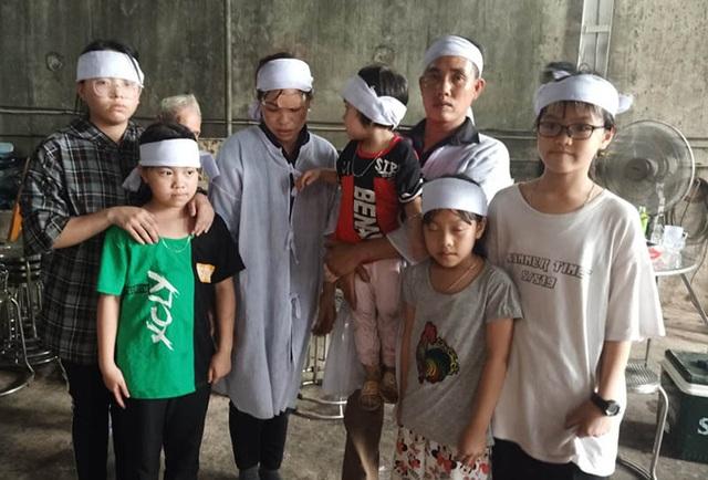 Chủ tịch Hà Tĩnh tặng Bằng khen cho người hùng cứu 9 người - 3