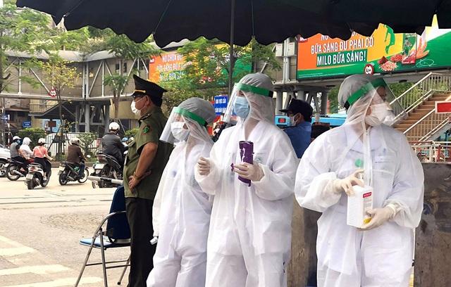 Đang truy số điện thoại của 26.000 người liên quan Bệnh viện Bạch Mai - 1
