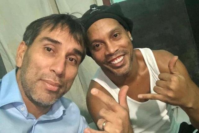 """""""Ronaldinho đang suy sụp tinh thần tại nhà tù Paraguay"""" - 1"""
