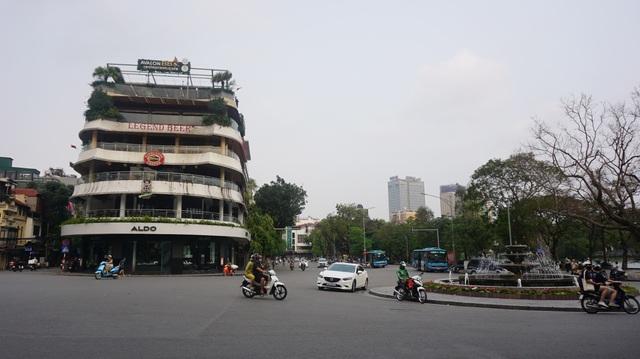 Tòa nhà từng bị dè bỉu một thời trở thành điểm check-in hot ở Hà Nội - 2