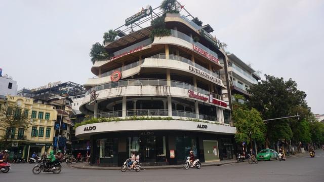 Tòa nhà từng bị dè bỉu một thời trở thành điểm check-in hot ở Hà Nội - 3