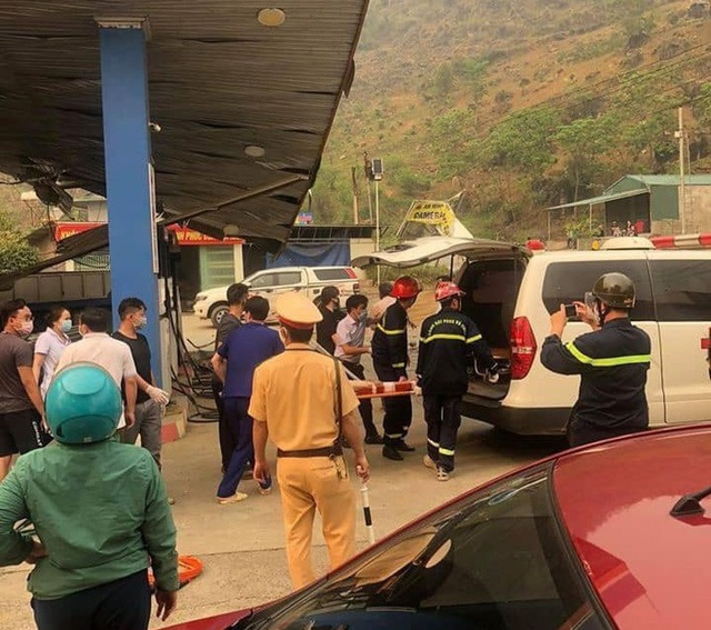 Xe tải cẩu tông sập cây xăng, 1 người chết, 5 người bị thương - 3