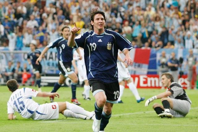 Lionel Messi: Ngôi sao cô đơn với giấc mơ World Cup - 1