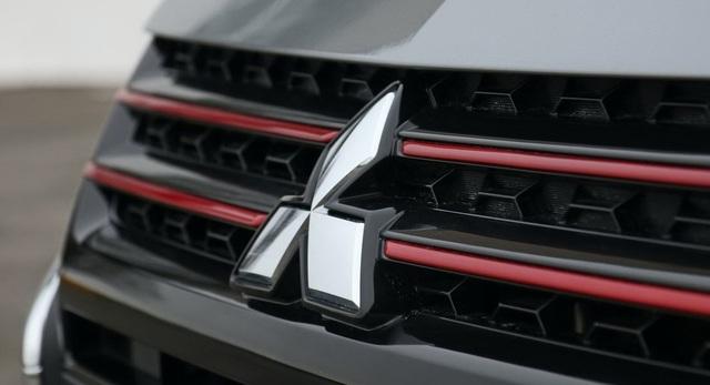 Mitsubishi cân nhắc mua 10% cổ phần Renault - 1