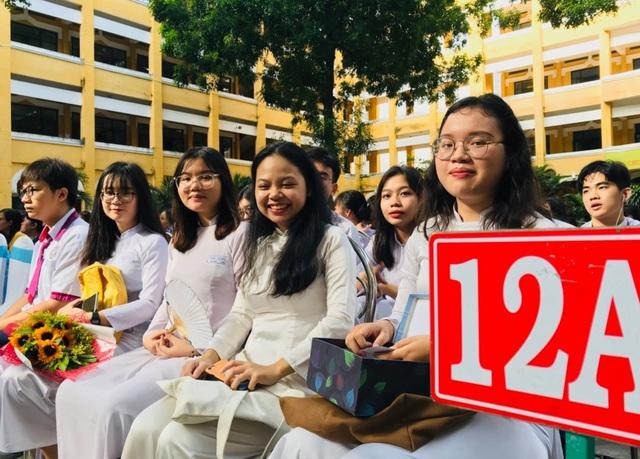 Học sinh, sinh viên TPHCM tiếp tục nghỉ học hết ngày 19/4 và 3/5 - 1