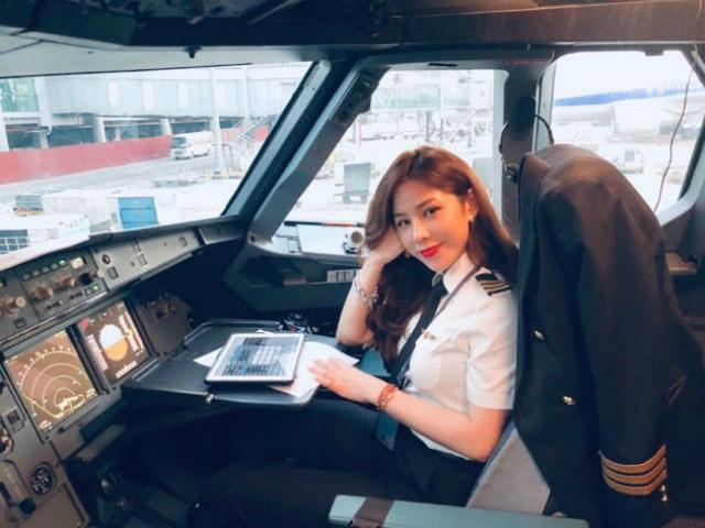 Rời buồng lái, các nữ phi công đẹp nhất Việt Nam ăn vận khoe đường cong - 1