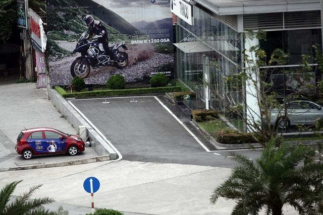 Các đại lý dừng hoạt động, ngành ôtô xe máy oằn mình trong dịch Covid-19 - 4