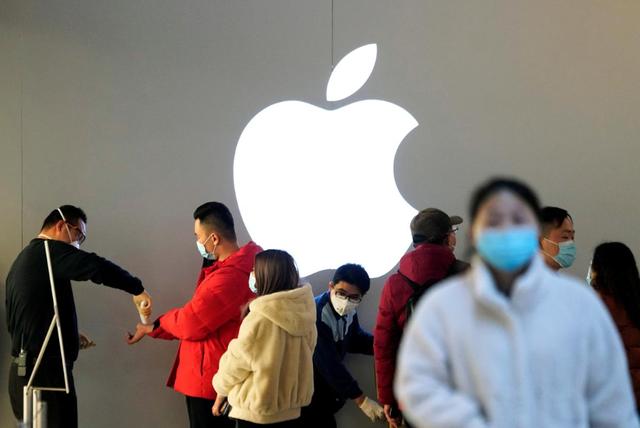 Mở lại nhà máy, Apple vẫn lo không bán được iPhone - 2