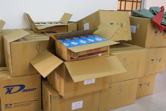 Tây Ninh: Bắt giữ 2 vụ vận chuyển trái phép khẩu trang y tế qua Campuchia - 1