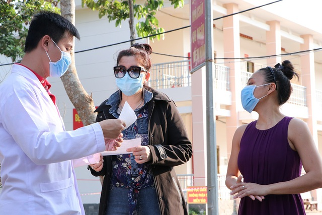 TPHCM: Thêm 3 bệnh nhân nhiễm Covid-19 được công bố khỏi bệnh - 1