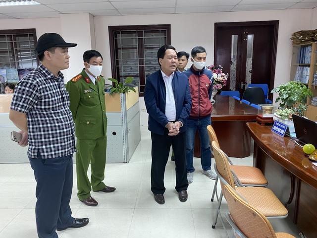 Tạm giam Trưởng Phòng Cục thuế cưỡng đoạt 100 triệu của doanh nghiệp - 1