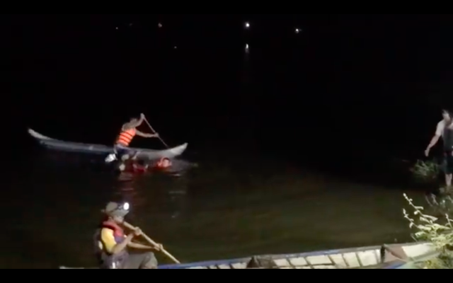 Lật thuyền trên lòng hồ thủy điện, 3 người tử vong - 2