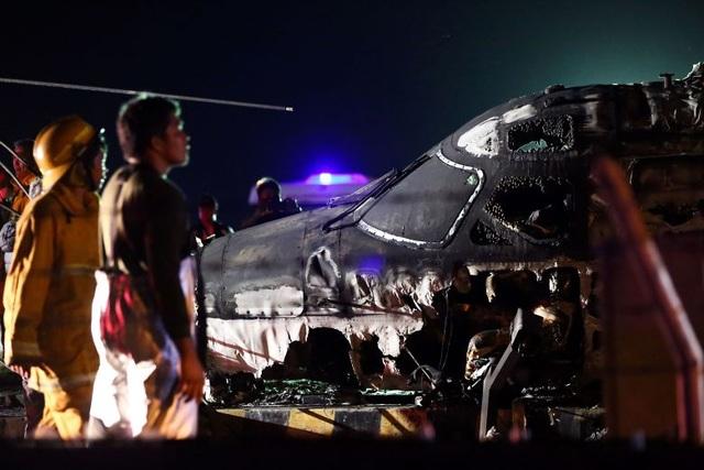 Máy bay y tế bốc cháy khi cất cánh ở Philippines, 8 người chết - 2